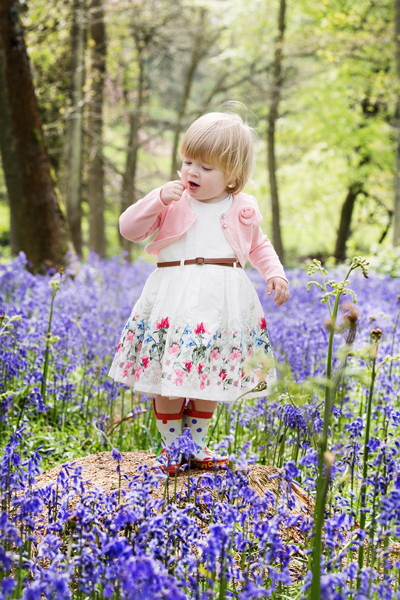 Natural family photography outdoors in Oxfordshire