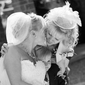 Mother and bride candid wedding photos from Mary Smith Oxfordshire