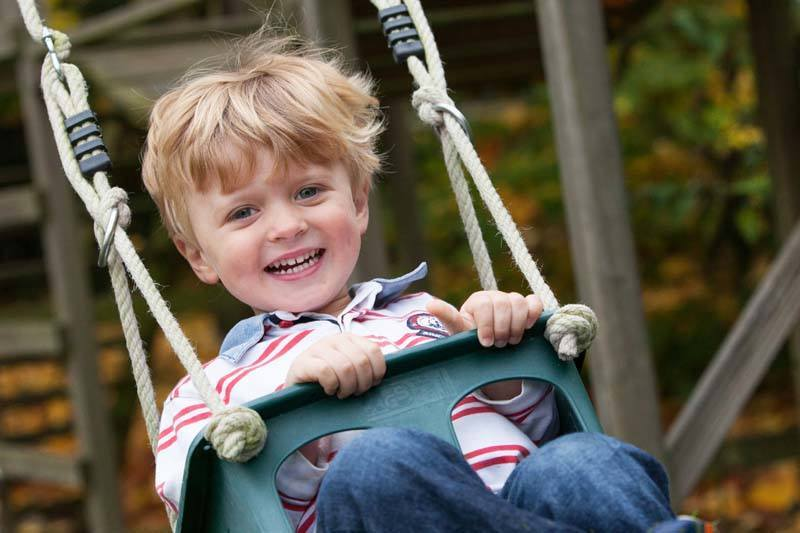 Fun Family Photography in the outdoors Oxfordshire Berkshire Buckinghamshire