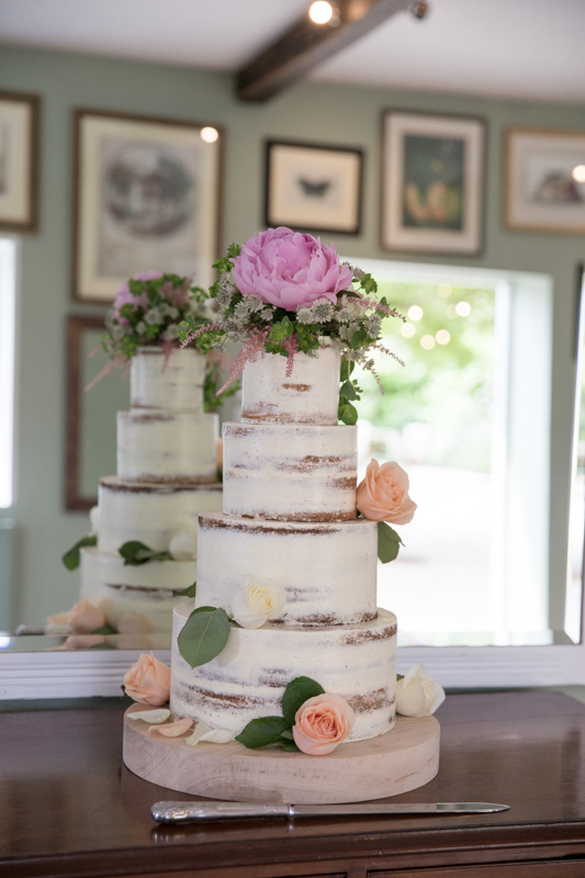 Beautiful naked cake at Merriscourt Barn Wedding in Cotswolds