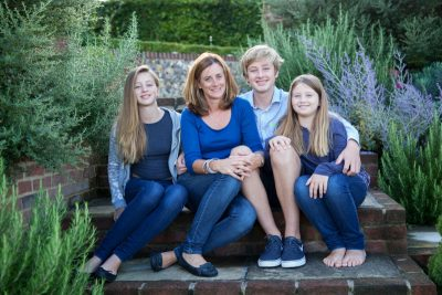 Outdoor family photo shoot in Henley