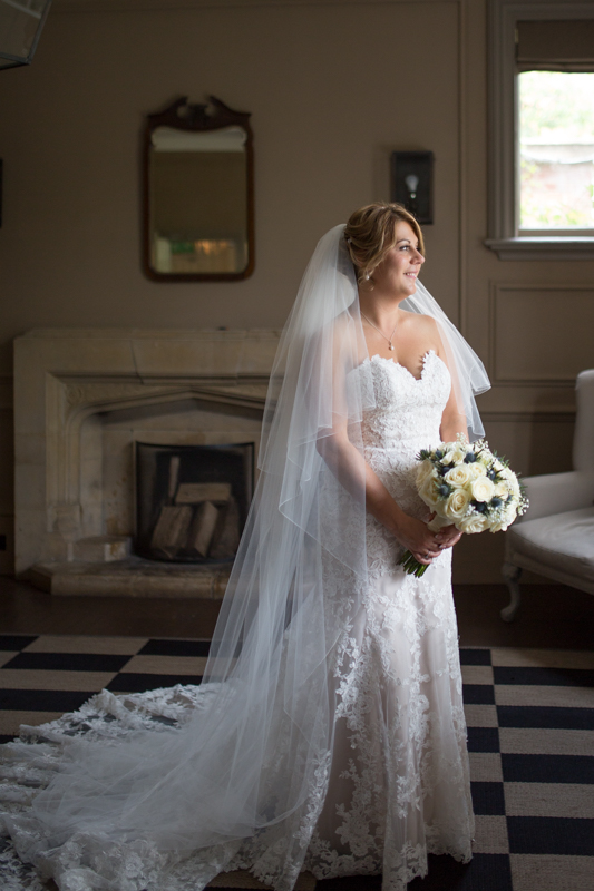 Bridal portrait in Olde Bell Hurley